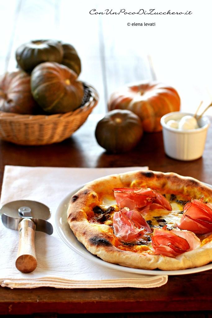 pizza-zucca-funghi-e-speck-mozzarella radicci