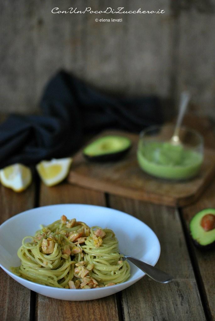 spaghetti-salmone-affumicato-avocado-e-ricotta-2-2-11-07-2019